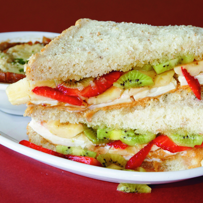 Honey-Peanutbutter & Fresh Fruit Sandwich